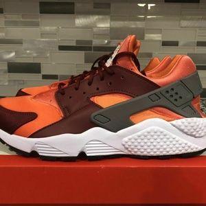 MEN'S NIKE AIR HUARACHE GUNSMOKE/TEAM RED sneakers